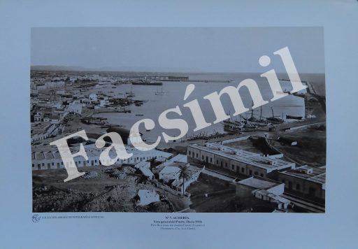 Almería. Nº 7 Vista General del Puerto hacia 1910. Pequeña (50 x 35 cms) Blanco y Negro.