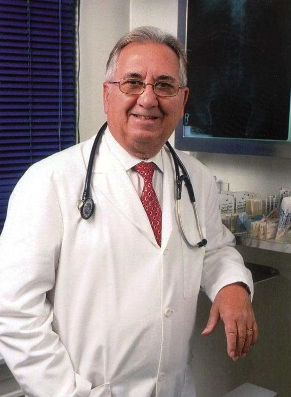Miguel Sáez García en Nueva York, durante su ejercicio como médico