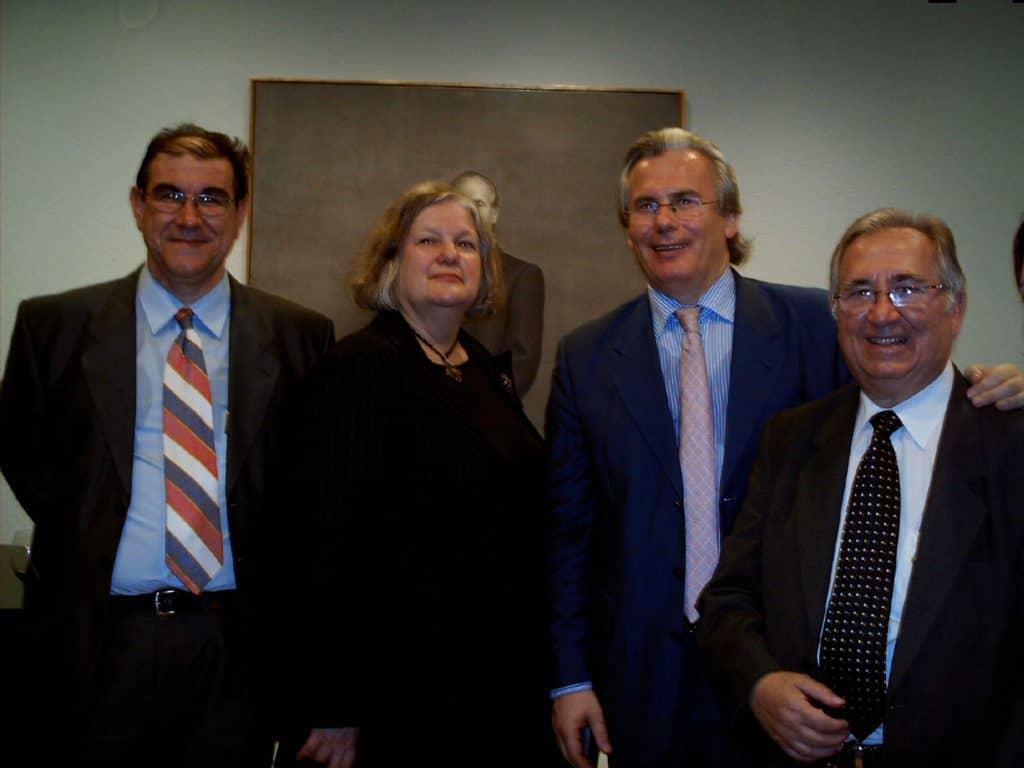 Miguel Sáez García junto al Juez Baltasar Garzón y a Juan Grima Cervantes en Nueva York